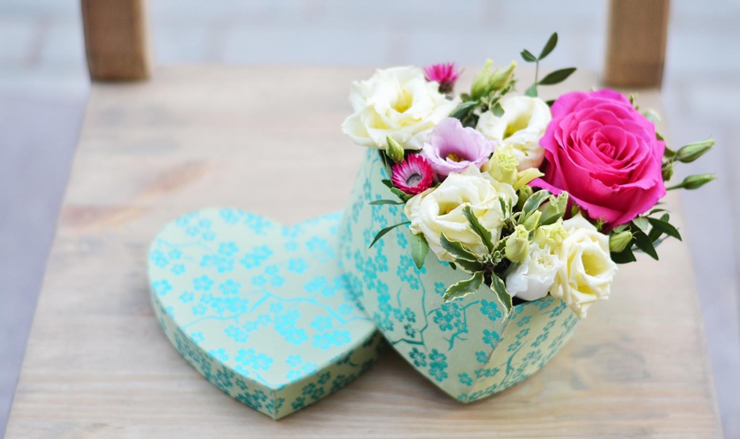 Юмор картинках, открытка коробка с цветами