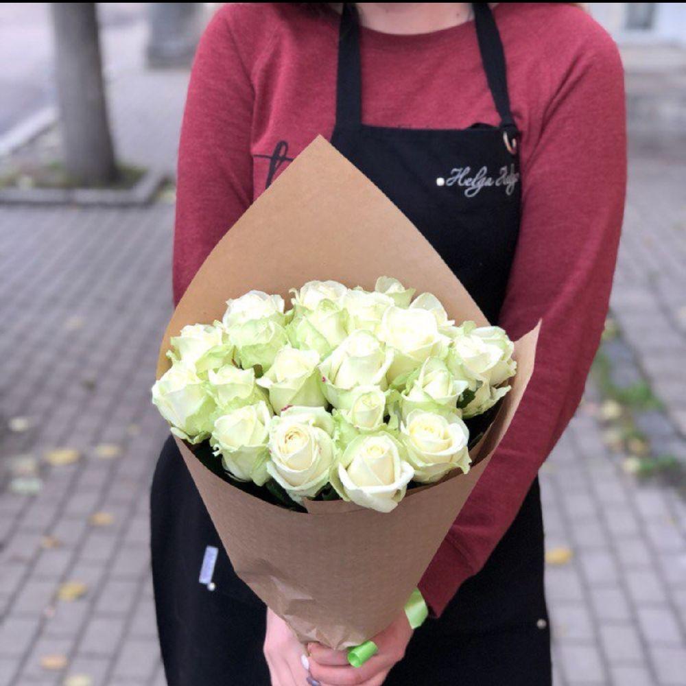 Букет 21 белые розы фото