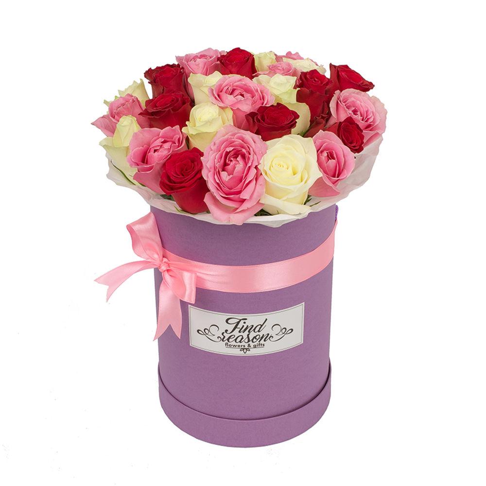 Недорогие цветы в коробке москва, плато букеты