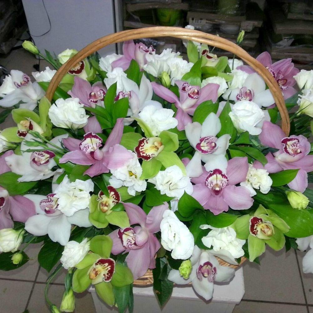 Ромашек подушке, уход за букетом из орхидей
