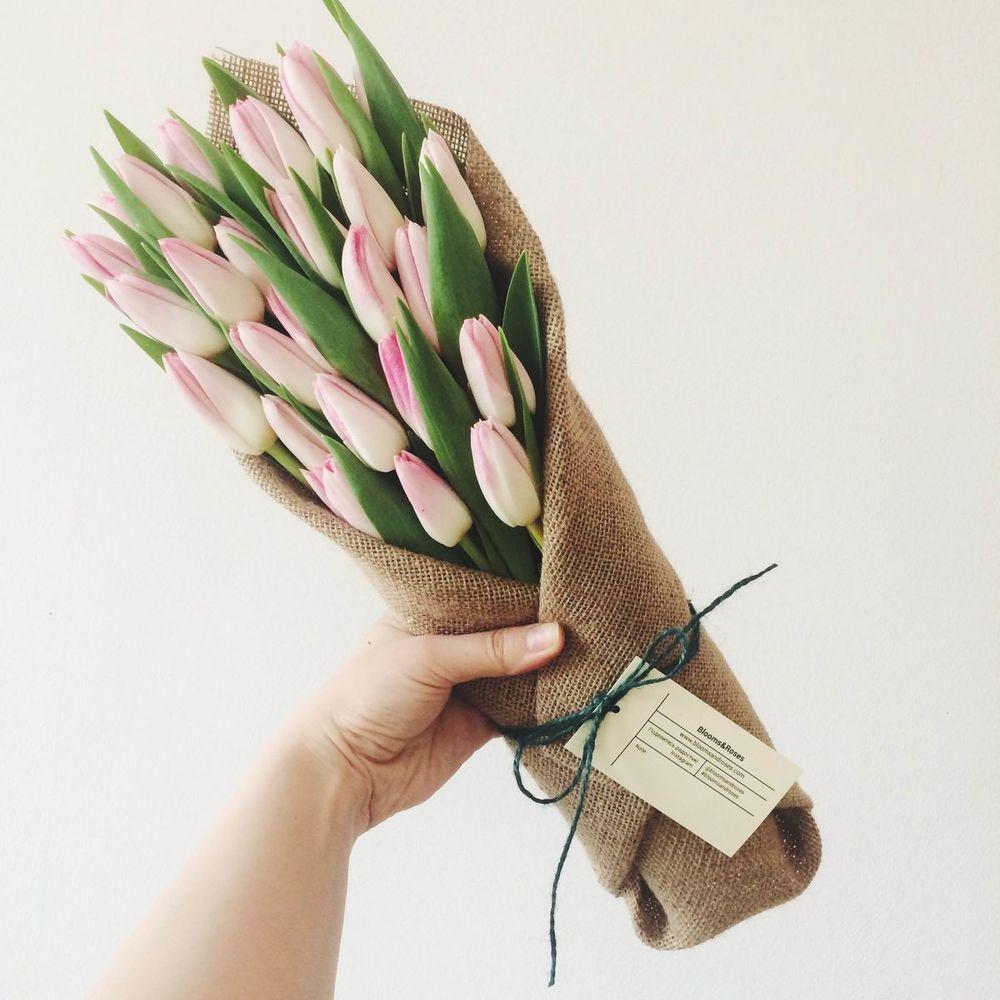 Интересные эксклюзивные букеты с тюльпанами, осенние