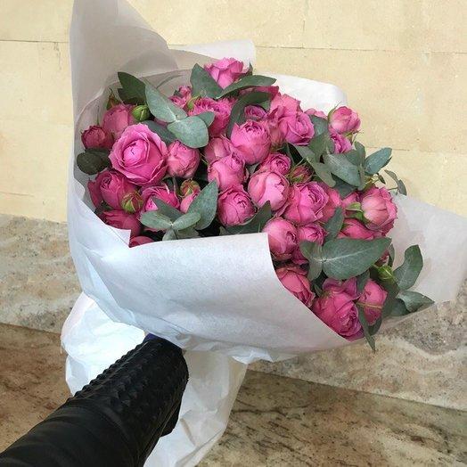 Пионовидная роза и эвкалипт: букеты цветов на заказ Flowwow