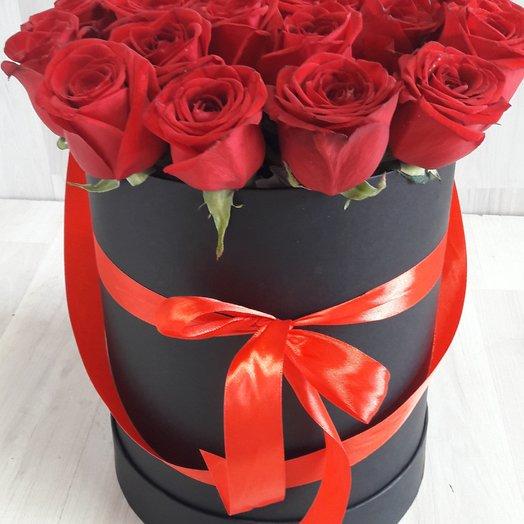 25 роз в шляпной коробки