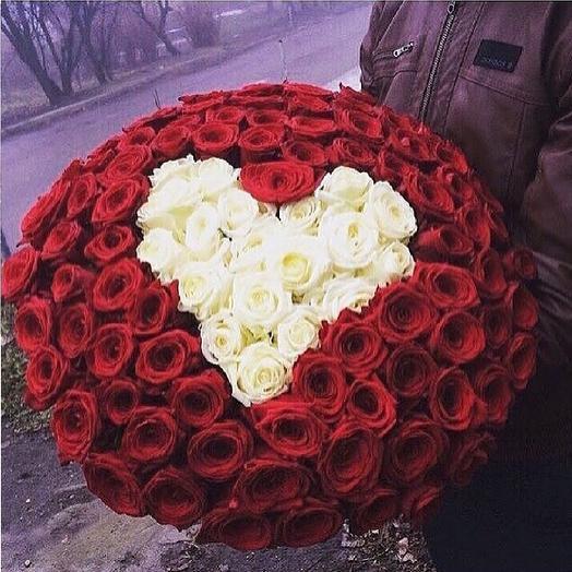 Сердце из роз. 101 роза: букеты цветов на заказ Flowwow