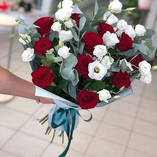 """Букет роз и эвкалипта """"Цветочный рай"""""""