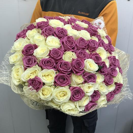 Букет из 101 бело-розовой розы Воздушный зефир: букеты цветов на заказ Flowwow