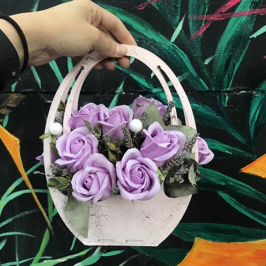 Корзинка из мыльных роз: букеты цветов на заказ Flowwow
