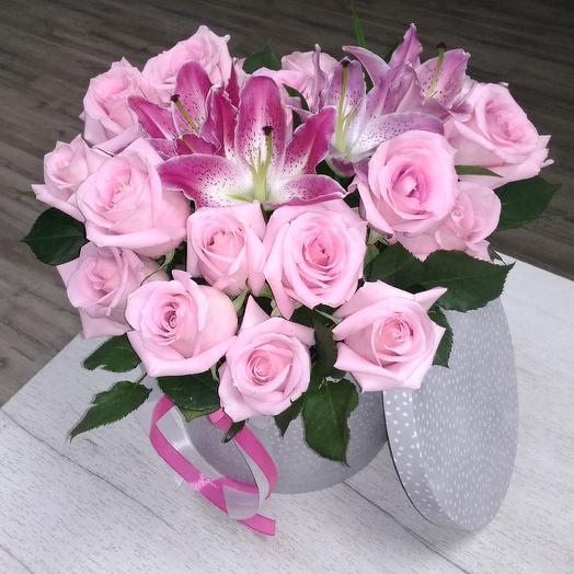 Обворожительная шляпная коробка: букеты цветов на заказ Flowwow