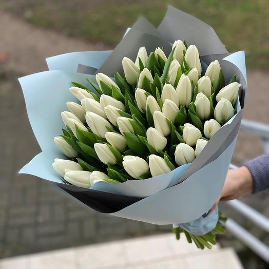 Букет 45 белых Тюльпанов