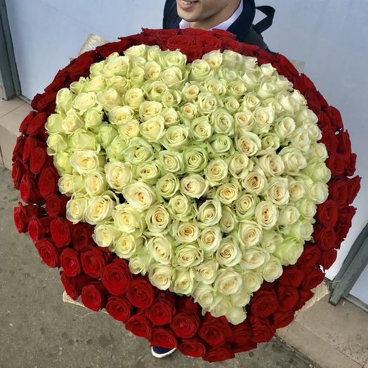 201 роза в форме сердца: букеты цветов на заказ Flowwow