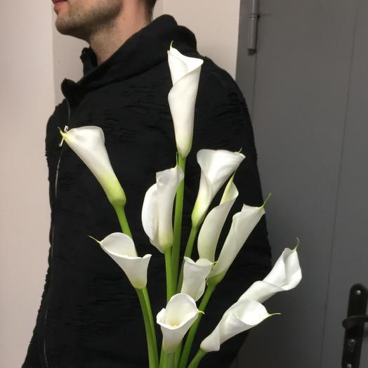 Белая калла: букеты цветов на заказ Flowwow
