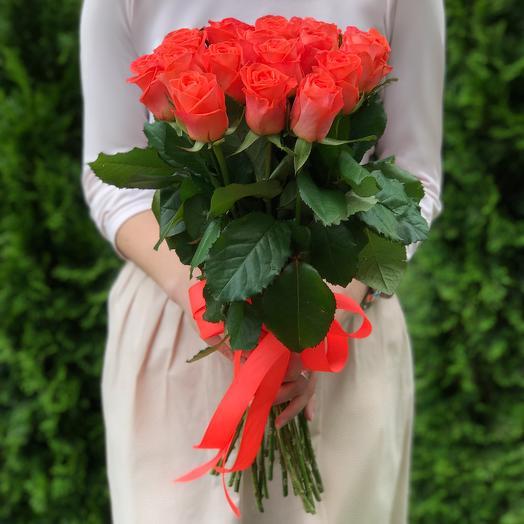 Букет 21 коралловая роза