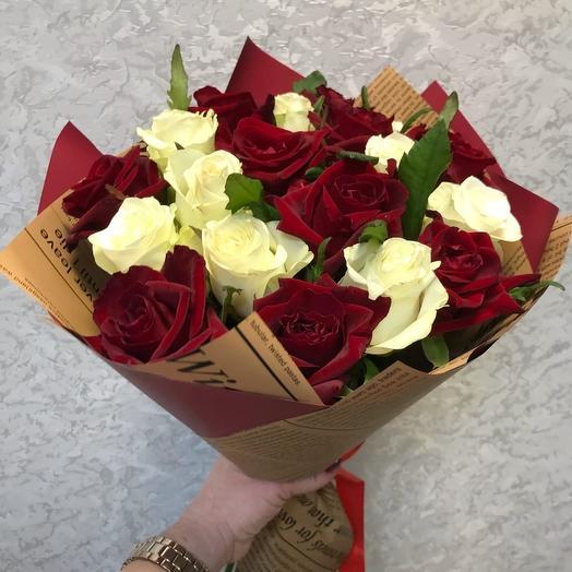 Красно-белые розы