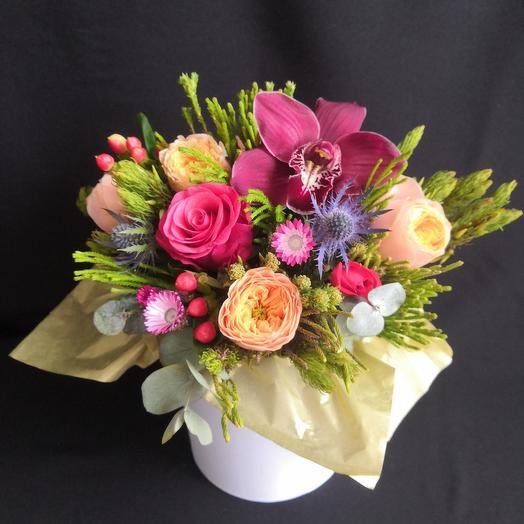 WOW: Тропический микс с пионовидными розами и орхидеей