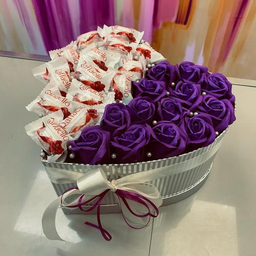 Розы из мыла  в коробке сердце М