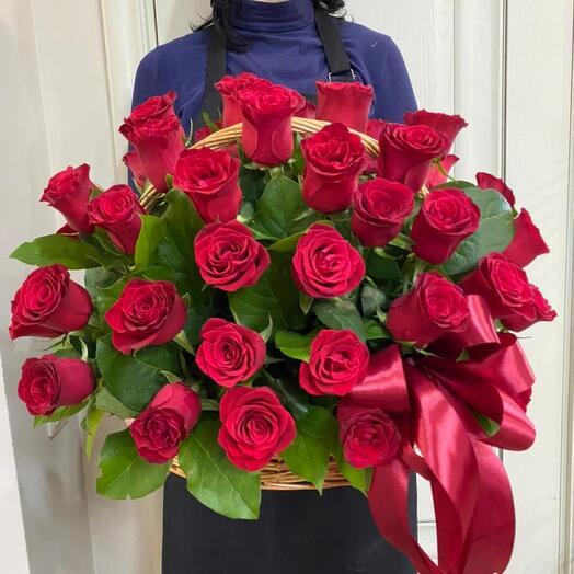 Корзина с 51 розой