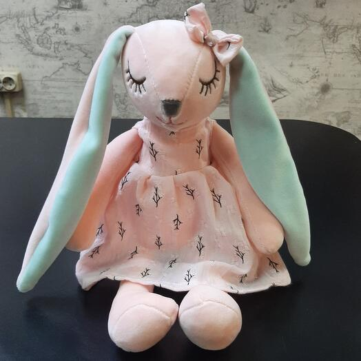Зайка в розовом