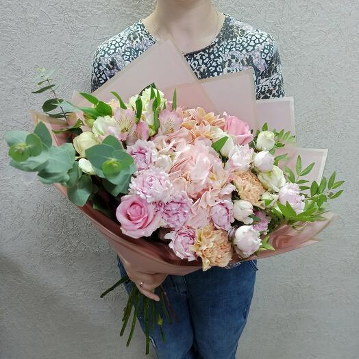 Шикарный букет с гортезией и ассорти цветов