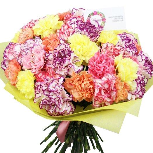 Букет из 51 гвоздики Конфетти макси: букеты цветов на заказ Flowwow