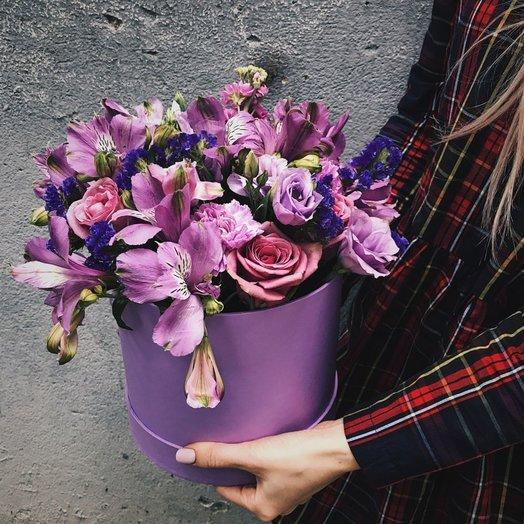 Шляпная коробка Моно: букеты цветов на заказ Flowwow