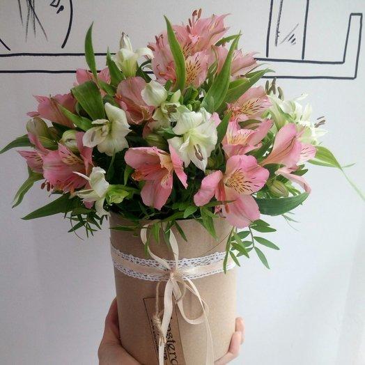 Альстромерии в шляпной коробке: букеты цветов на заказ Flowwow