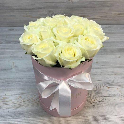 Розы. Коробки с цветами. Шляпная коробка 15 розами