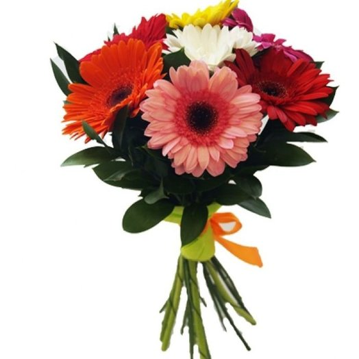 7 гербер с зеленью. Код 180043: букеты цветов на заказ Flowwow