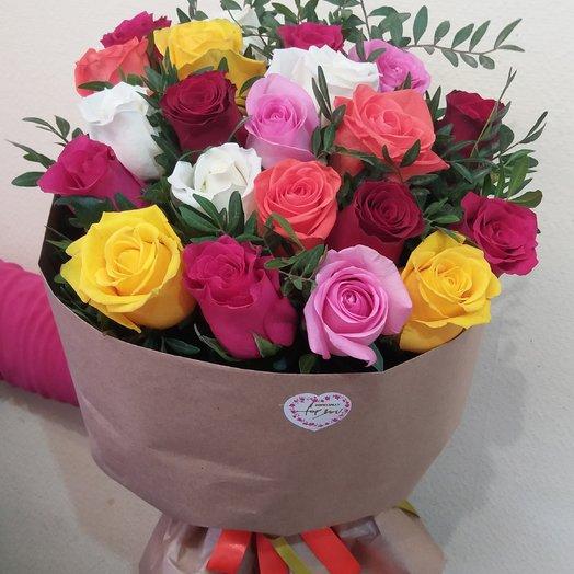 Цветной микс из 21 розы: букеты цветов на заказ Flowwow