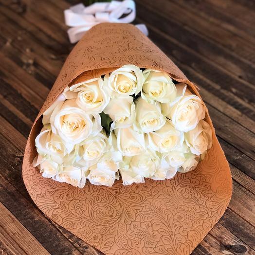 Букет из 17-ти кремовых роз