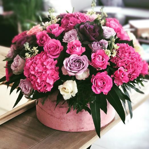 Коробка 300: букеты цветов на заказ Flowwow