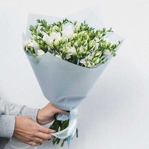 Ароматные фрезии: букеты цветов на заказ Flowwow