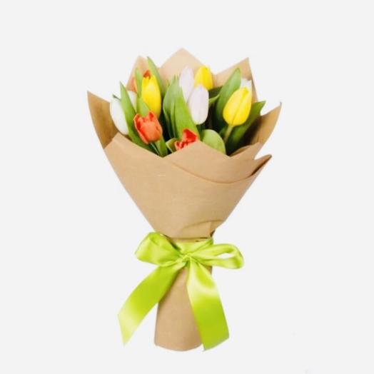 11 тюльпанов микс в крафте: букеты цветов на заказ Flowwow