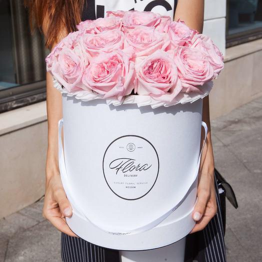 Розовые розы Pink O Hara в шляпной коробке Grand WHITE