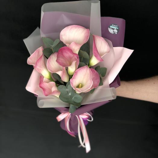 Грациозные Каллы: букеты цветов на заказ Flowwow