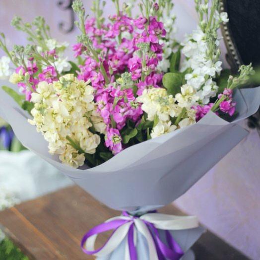 Монобукет из душистой матиолы микс: букеты цветов на заказ Flowwow
