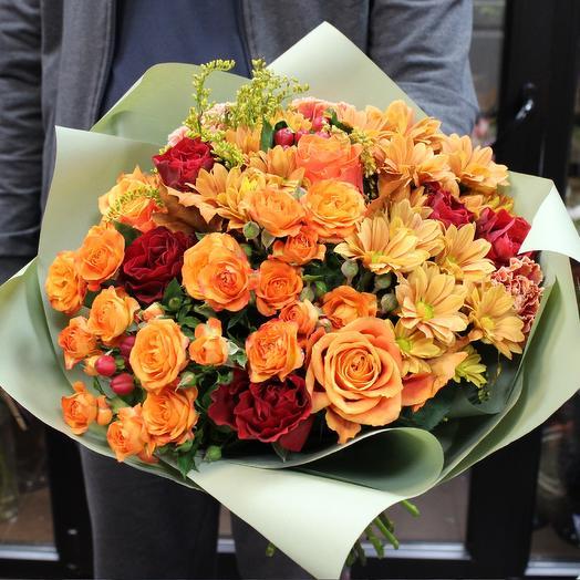 """Яркий букет с розами """"Осенний вальс"""""""