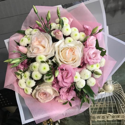 Нежный букет с пионовидной розой