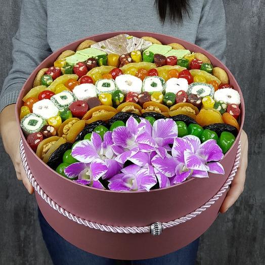 VIP подарочная коробка: букеты цветов на заказ Flowwow