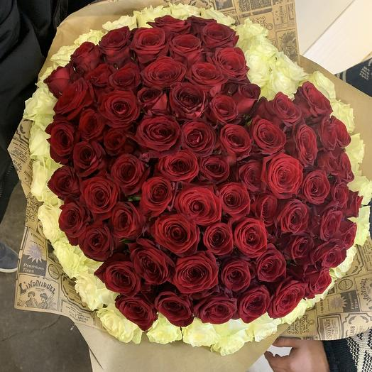101 в виде сердца: букеты цветов на заказ Flowwow