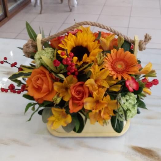 Ящик Осень в ладонях: букеты цветов на заказ Flowwow