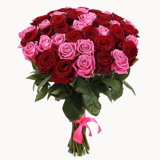 Красно-розовый букет из 51 розы