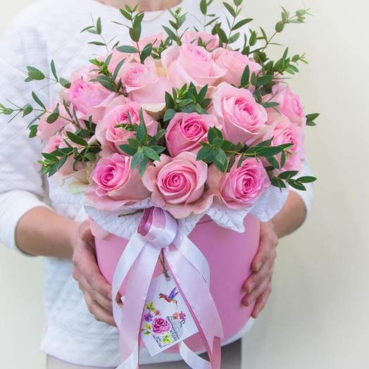 25 розовых роз Эльвия(цвет коробки  на выбор белый или розовый)