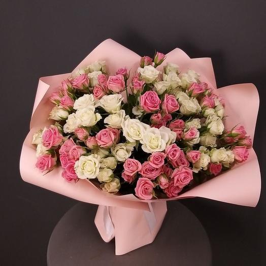 """Букет из 31 кустовой розы """"Лолита"""""""