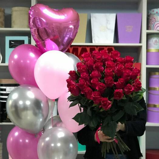 35 Эквадорских роз сорта Gotcha 80 см + набор шаров 🎈