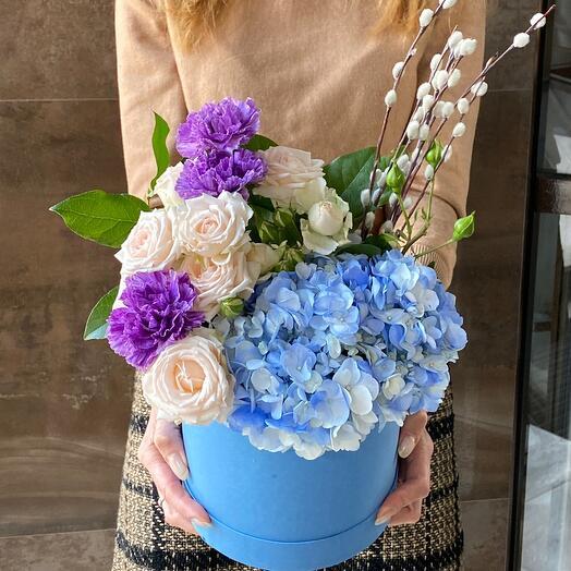 Голубые нежные Цветы в коробке