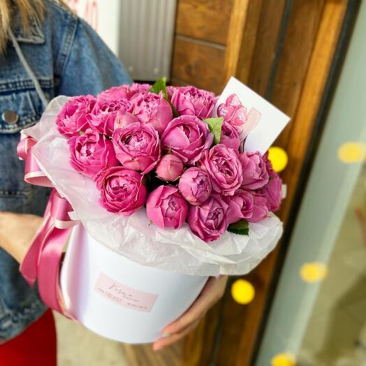 Пионовидные розы в коробке💕