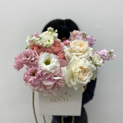 Цветы в кубе «Виолетта»