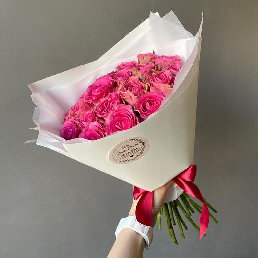 Розы малиновые 19 шт