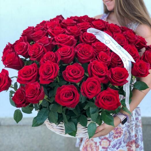 Объемная корзина с розами