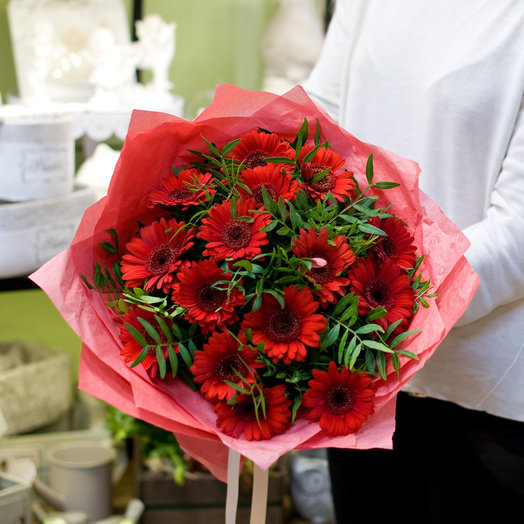 Букет цветов Красные герберки: букеты цветов на заказ Flowwow
